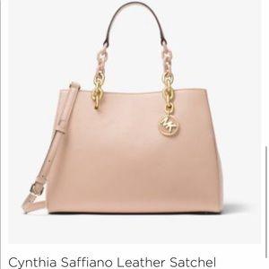 ❤️Michael Kors Cynthia Saffiano Leather Satchel❤️